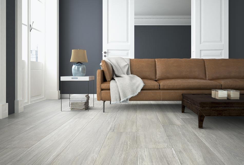 Livingroom with porcelain tile flooring